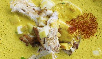 karrysuppe med rejer og ananas